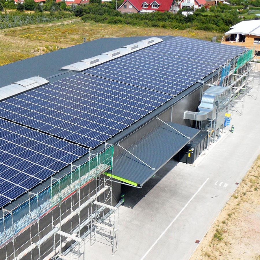 http://Solartechnik%20vom%20Einfamilienhaus%20bis%20zur%20Großanlage